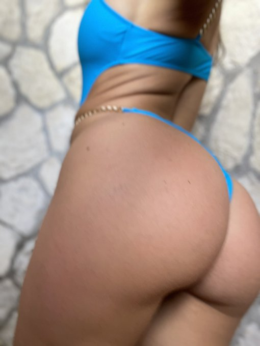 New Onlyfans scene alert!! Don't make me wait, fuck my ass in the outdoor shower until I squirt 💦💦 https://t