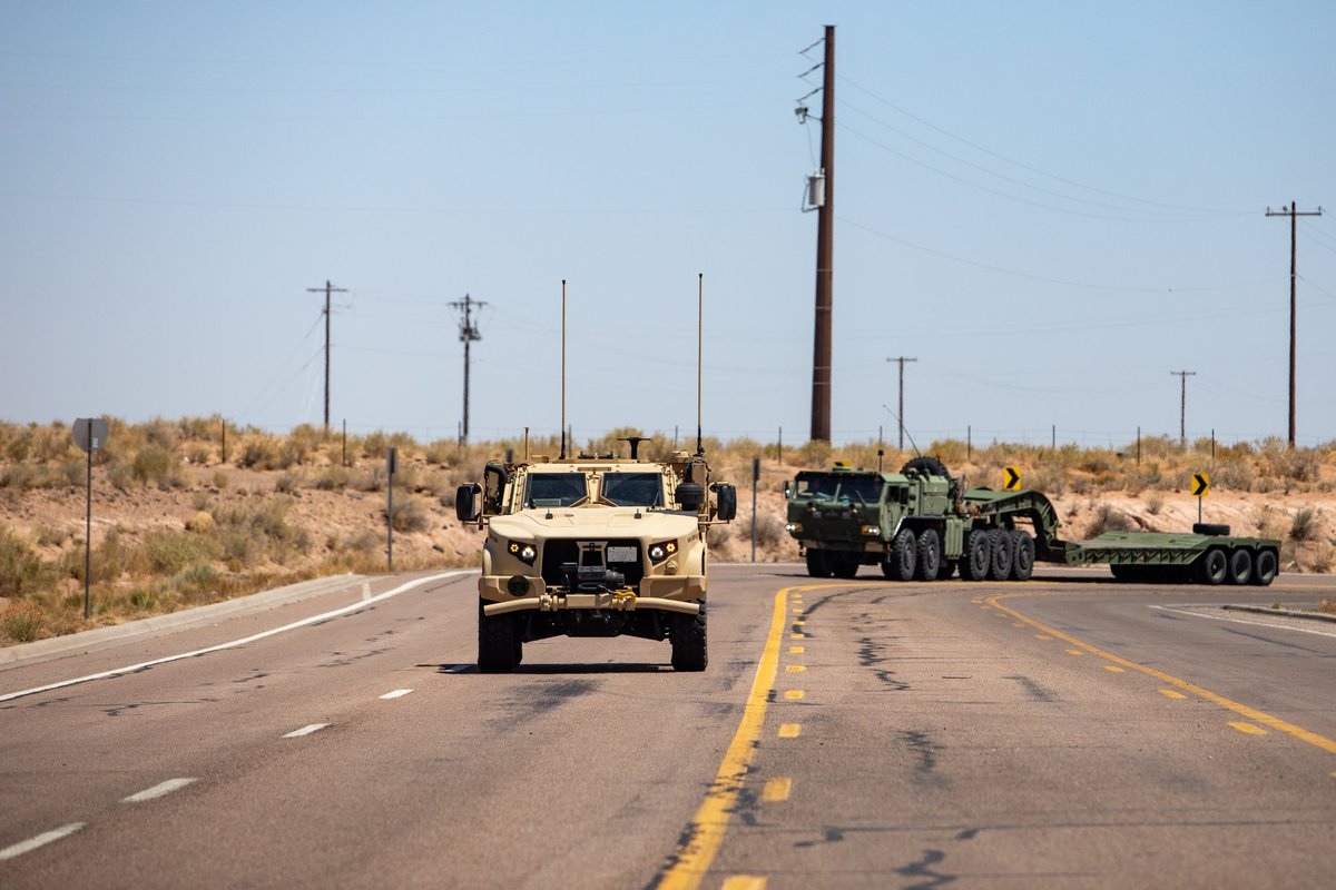 Cruisin'  U.S. Marines with 2nd Transportation Battalion drive tactical vehicles down a highway near Holbrook, Arizona. The #Marines are on a return trip to @camp_lejeune during their historic convoy across the continental United States.  📰 » https://t.co/2A7X7K6w2u  #TeamMLG https://t.co/uD5i1KQhBt