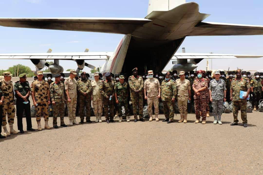 """القوات المسلحة السودانية: تدريب مشترك مع القوات المصرية تحت اسم """" حماة النيل"""" ينطلق من 26 إلى 31 مايو في السودان E2AEl9UWEAMoLsv?format=jpg&name=medium"""