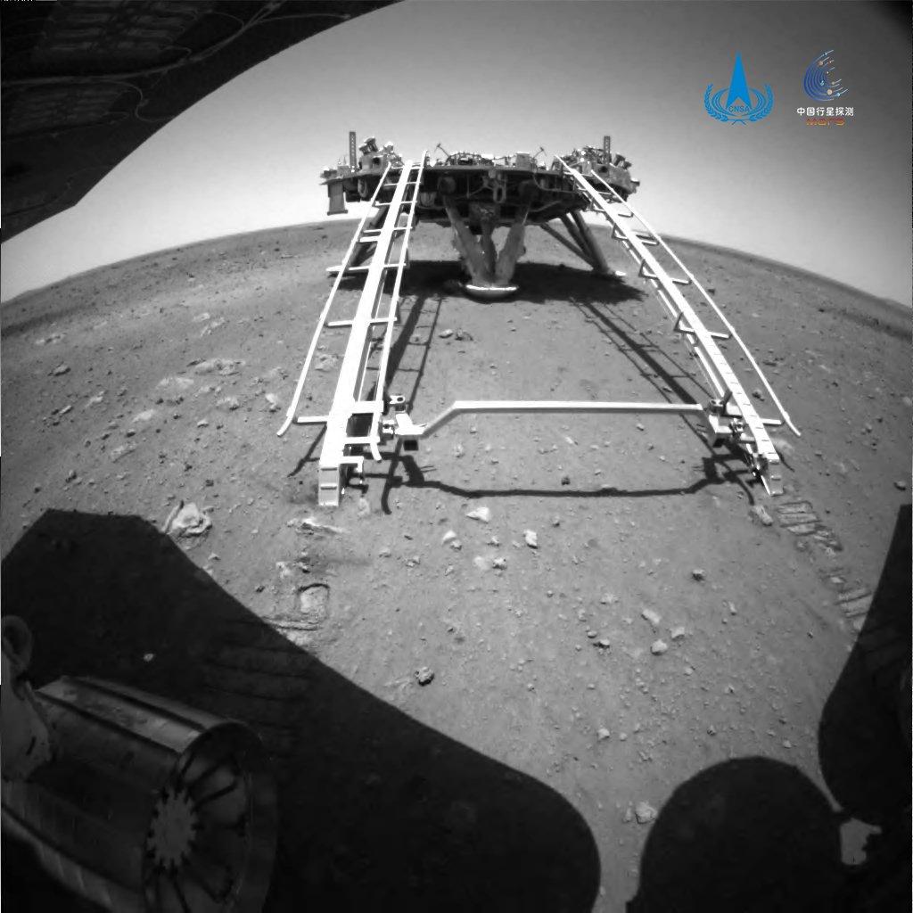 [Chine] Mission Tianwen-1 (orbiteur + atterrisseur + rover) - Page 10 E2KVzcyXMAMhUZ9?format=jpg&name=medium