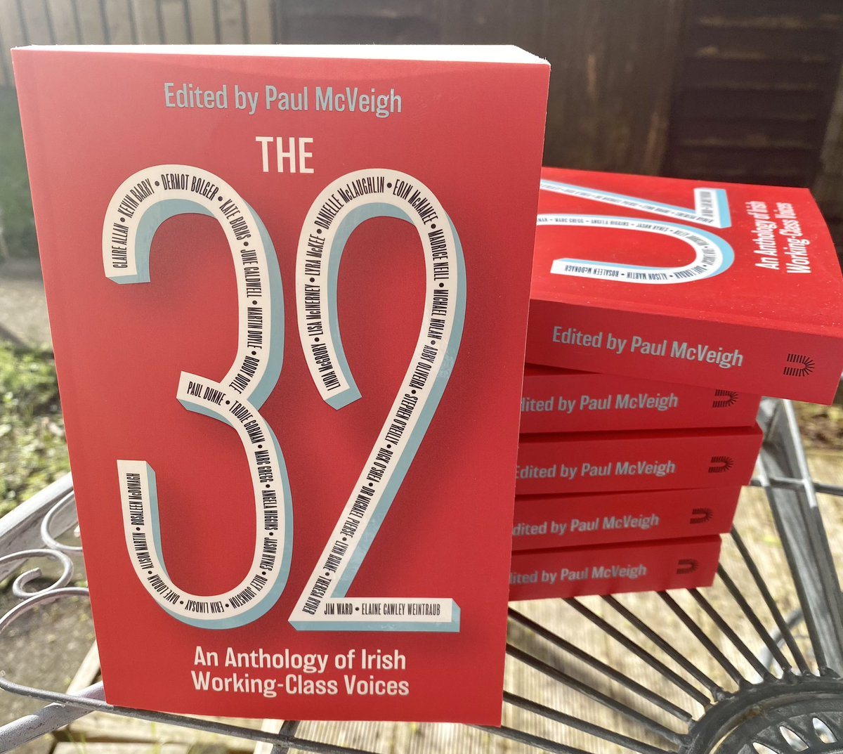 They're here! 'The 32: An Anthology of Irish Working Class Voices' available to pre-order now & in shops from July 8th. Sister of #commonpeople brainchild of @KitdeWaal 16 new writers alongside 16 of the great & the good sharing stories of working class life! #acnisupported https://t.co/WjPT4lioom