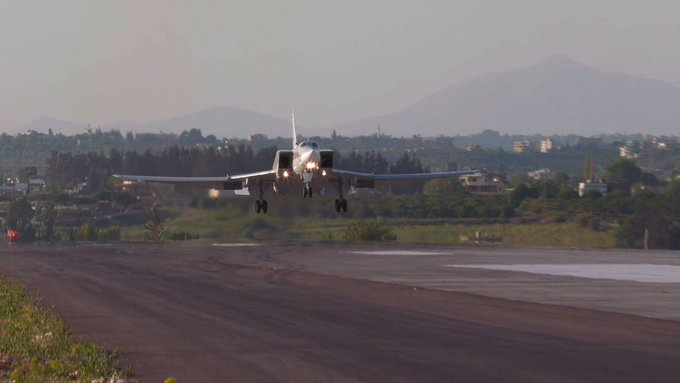 Российские дальние бомбардировщики Ту-22М3