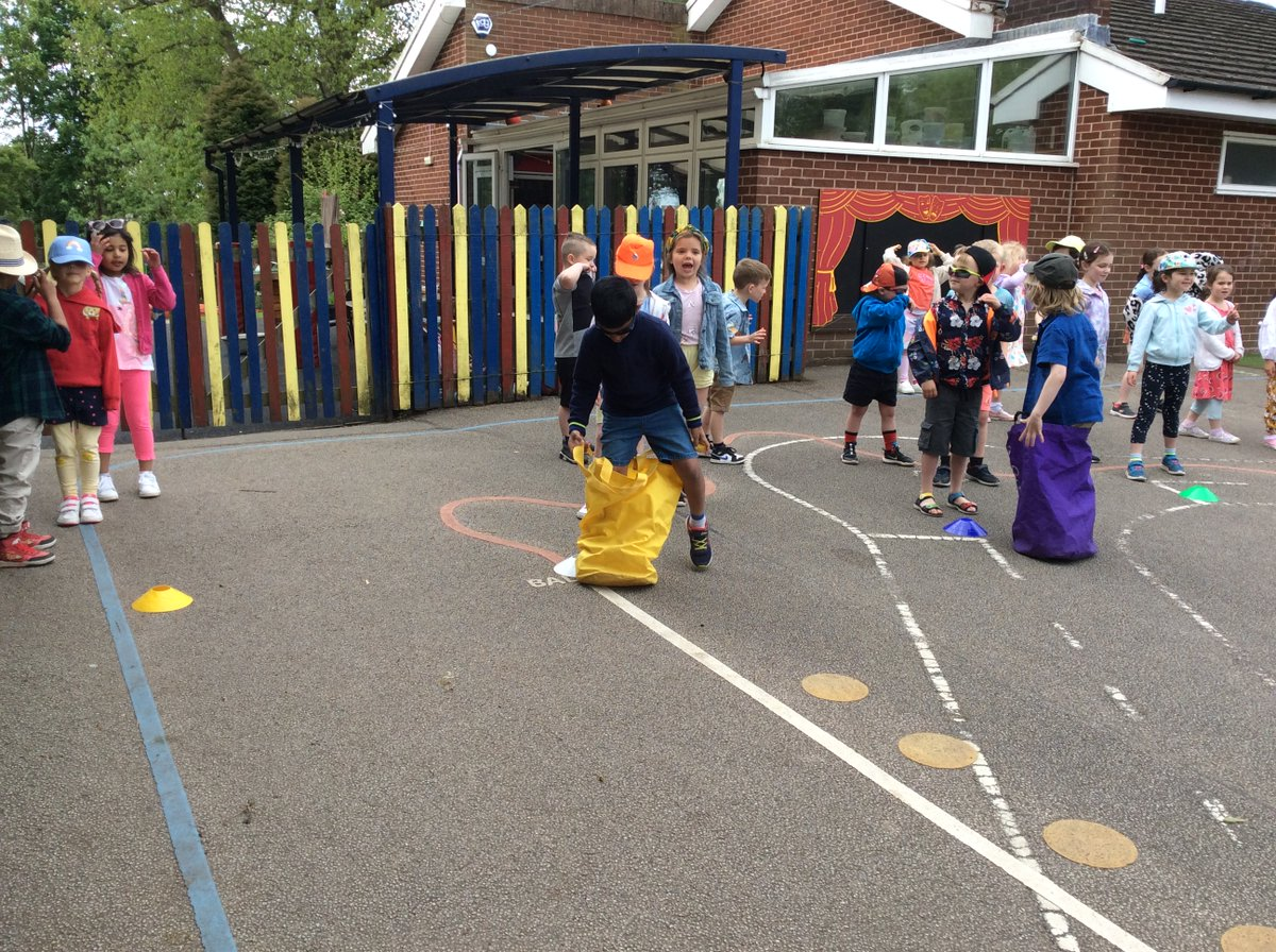 test Twitter Media - Year 1s had a fantastic time at their seaside day, and we even had sunshine! https://t.co/uGTJgyss9b