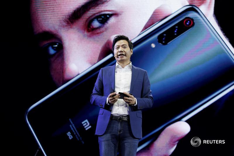 Xiaomi's quarterly handset sales rocketed up 70% to $8 bln, underscoring how the Chinese group has exploited rival Huawei's woes. Sustaining momentum will be the next challenge, writes @sharonlamhk: https://t.co/VYRKyTerxn https://t.co/2bG2sIsNlS