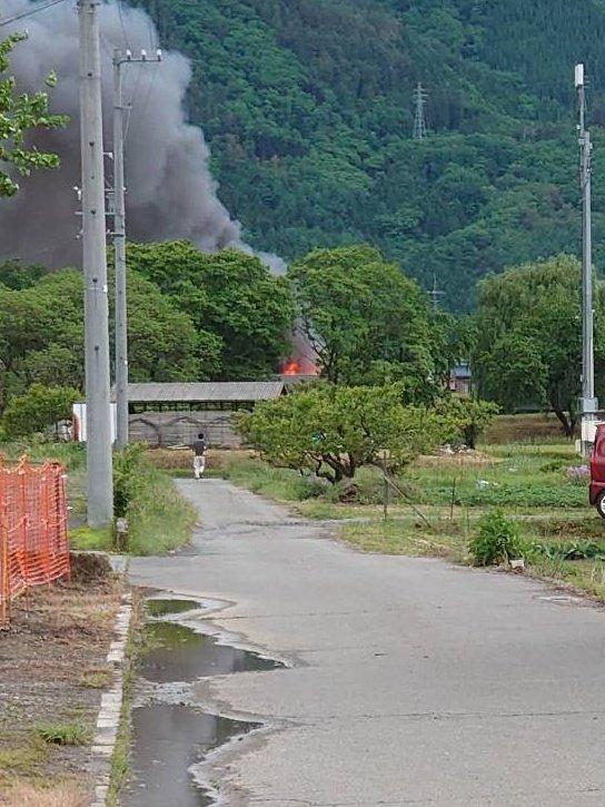 長野市松代町で火事が起きている現場の画像