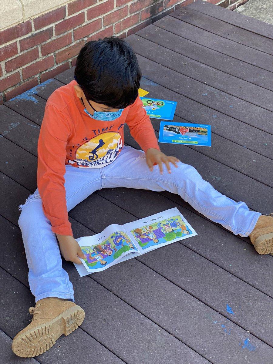 RT <a target='_blank' href='http://twitter.com/KWBdelli'>@KWBdelli</a>: Students enjoy reading outside!! <a target='_blank' href='http://twitter.com/KWBStansel'>@KWBStansel</a> <a target='_blank' href='http://search.twitter.com/search?q=kwbpride'><a target='_blank' href='https://twitter.com/hashtag/kwbpride?src=hash'>#kwbpride</a></a> <a target='_blank' href='https://t.co/NbyKOPAqMV'>https://t.co/NbyKOPAqMV</a>