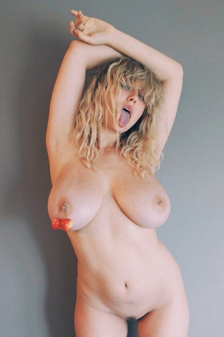 2 pic. I'll keep posting these because fuck https://t.co/zOBLnOACwW