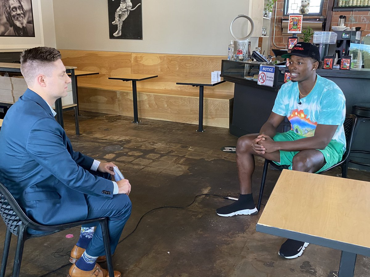 Great sitdown with Rockets All-Rookie candidate Jae'Sean Tate @o_tate_   Had some coffee with @greenwaybarista & @Bl4cksmith & talked some basketball.  Excited to share his story soon on Sports Sunday.  @ejkusnyer @beyond_am https://t.co/31lFCZ1HaF