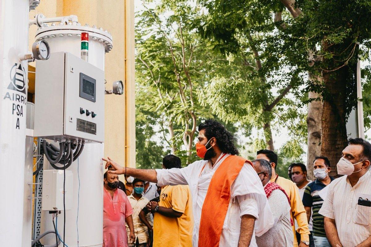 Vrajrajkumar inaugurates 9th oxygen generating plant donated by his VYO