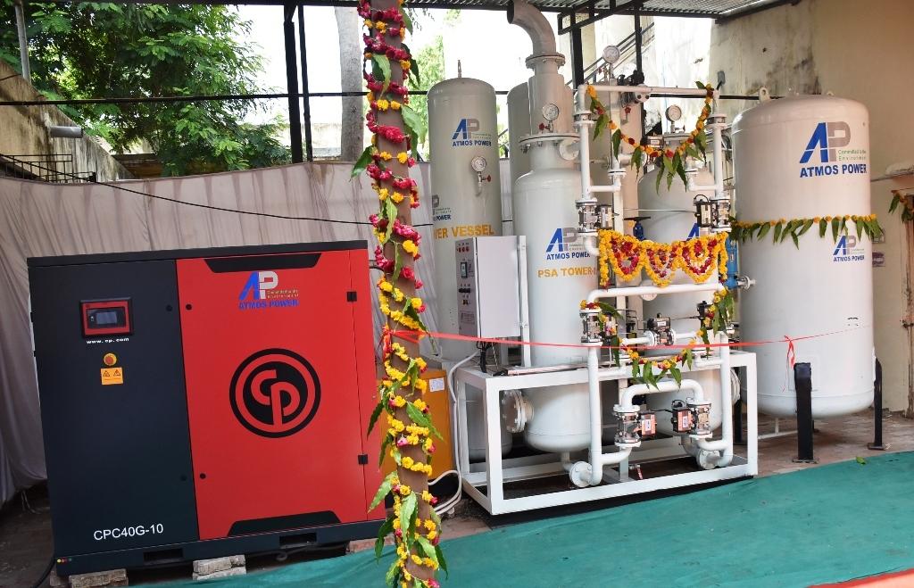 Swami Sachidanand inaugurates Oxygen plant, RTPCR lab at Petlad public hospital sponsored by his Ashram