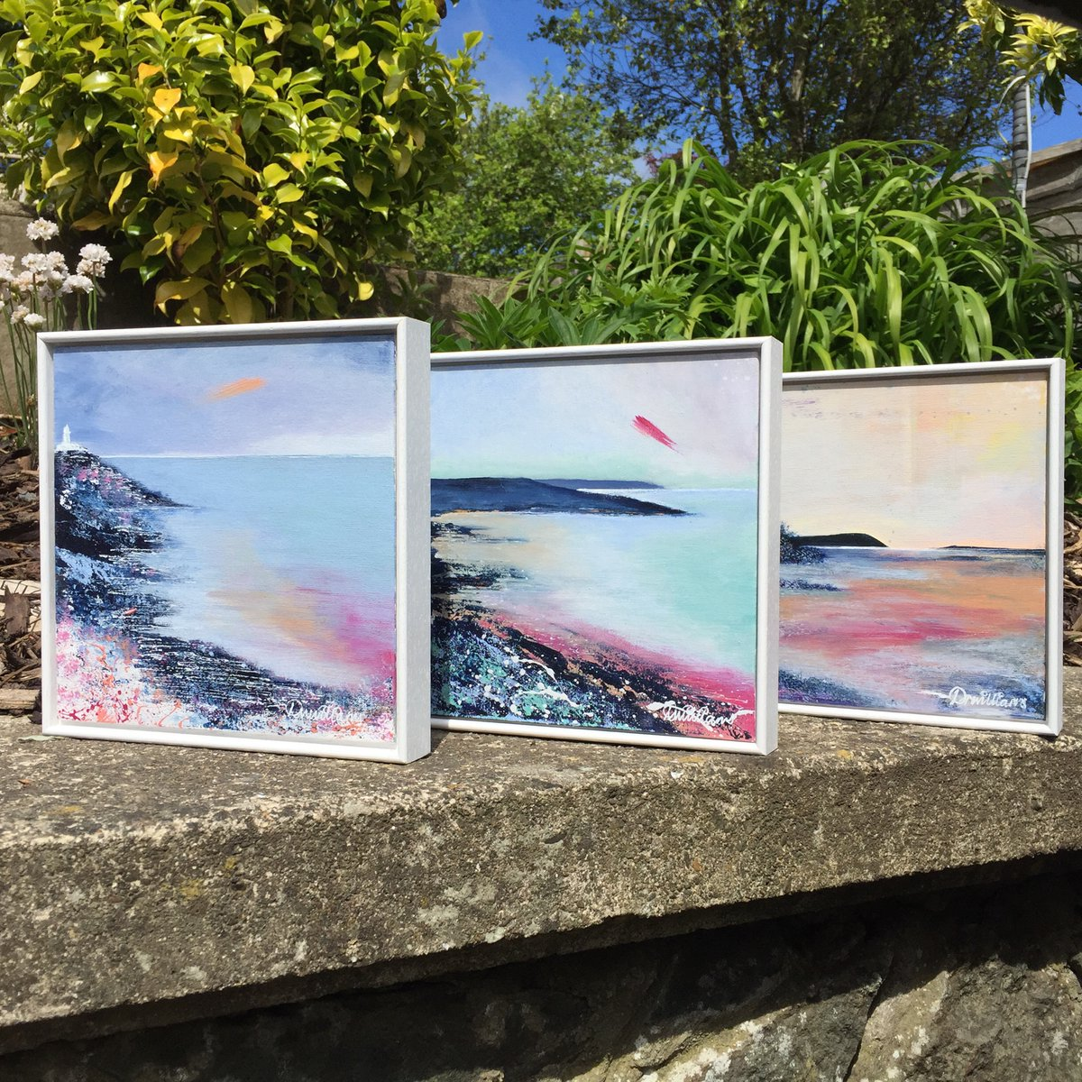 This new collection of seascapes if filled with dolly mixture, ice cream sundae, candy floss sort of colour palette and I love them! Which one is your favourite? #strumbleheadlighthouse #marloessands #parrog #newportpembs #westisbest #wales #visitpembrokeshire #coastalliving https://t.co/E7tuDiCudM