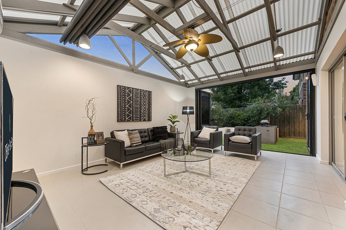 Stunning fully enclosed outdoor living in this property located in Skye, photographed by Top Snap South Yarra. . #topsnap #photography #realestate #realestatephotography #marketing #indooroutdoor #skye #melbourne #southyarra #morningtonpeninsula #vic https://t.co/ibRtAzD4bi