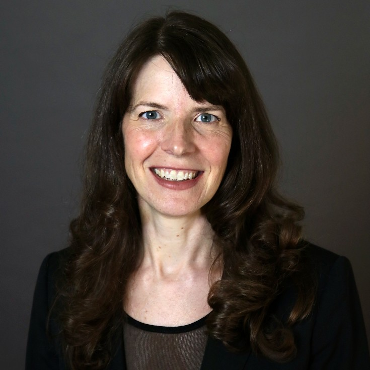 """Professor Alison Peck is the winner of the 2021 Significant Scholarship Award at WVU Law 🎉  She won for her recent book, """"The Accidental History of the U.S. Immigration Courts: War, Fear, & the Roots of Dysfunction""""  ➡️ https://t.co/isj9lYn7NA https://t.co/O9f8CuwkvV"""