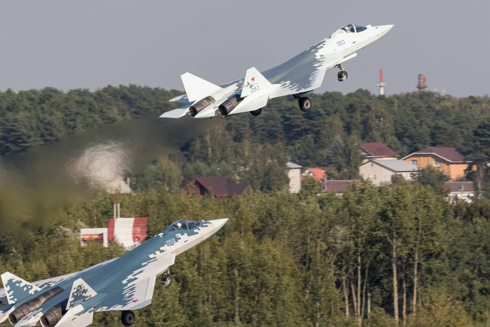 Su-57 Stealth Fighter: News #7 - Page 37 E2fKjKSXEAMrGyO?format=jpg&name=large