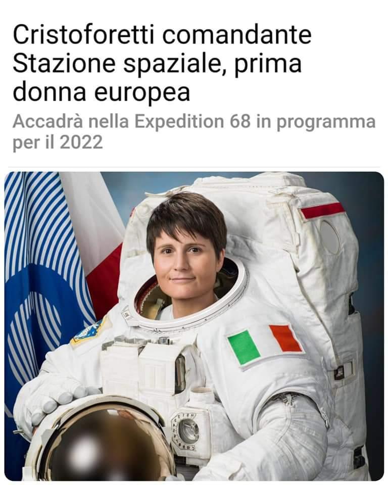 """La stazione spaziale Internazionale avrà al comando una donna italiana. @AstroSamantha, un orgoglio per tutto il nostro paese.  Questo  dovre far riflettere chi afferma che """"le femmine hanno maggiore propensione per le materie legate all'accudimento""""#Cristoforetti https://t.co/dDb7gkdz8w"""