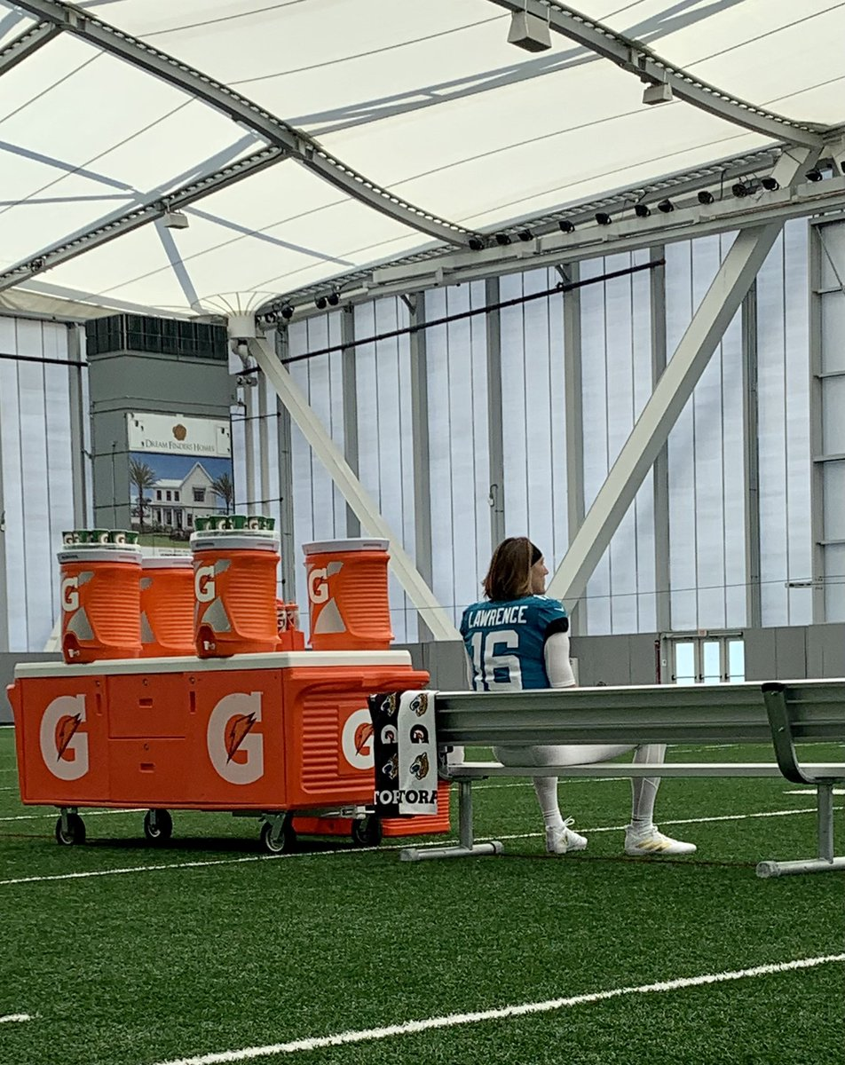 The first of many fun days with @Trevorlawrencee! Glad he's part of the @Gatorade family. 🏈 https://t.co/3xIBOqHI1n