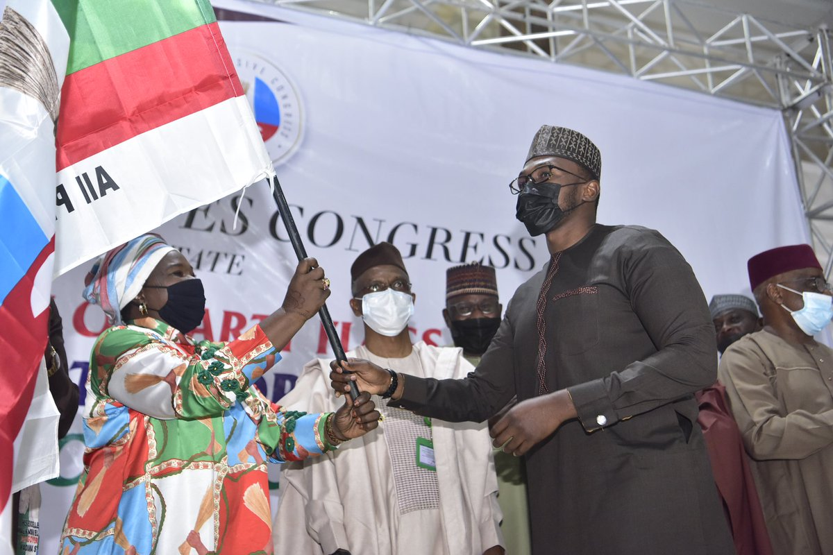 Malam Nasir @elrufai and Deputy Governor @DrHadiza have joined the Kaduna APC leadership to present flags to the party's candidates for the local government elections. He urged them to campaign and engage the people because it will be a free and fair election, where voters decide