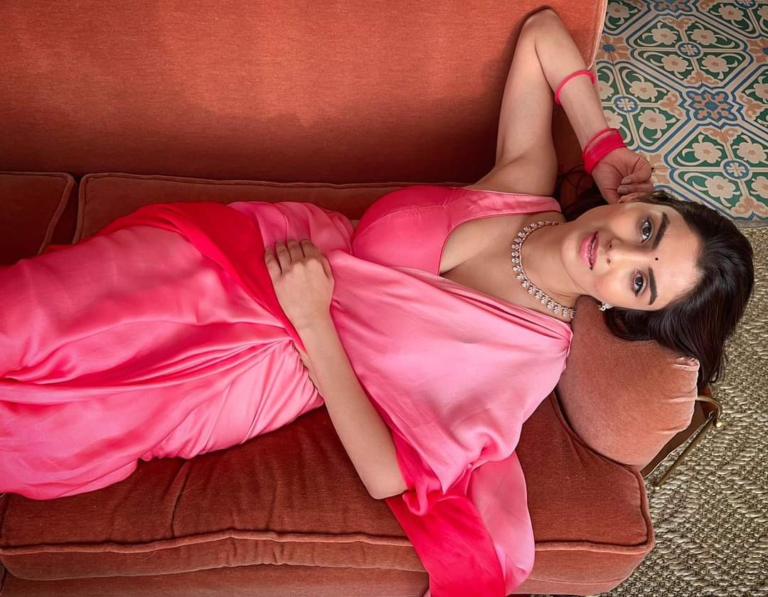 Anveshi Jain: Shocking Facts About Gandii Baat Actress