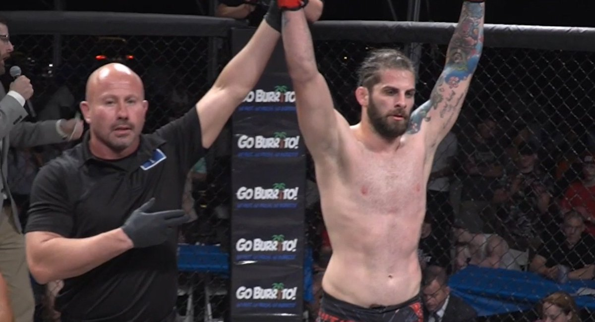 Tanner Saraceno picks up a win in his return to the cage! A first round TKO victory at #ShowcaseMMA19 gets the former #ToughEnough star his first win in over three years!  📺 REPLAY: https://t.co/lV08tAlo9U https://t.co/5wiPQSM0Ed