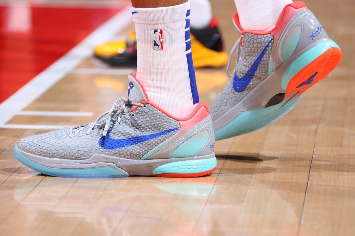 .@tobias31 always with the Kobe flavors https://t.co/l2a6hDT5Ve