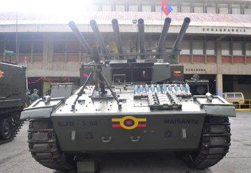 (Imágenes) Venezuela moderniza y transforma los viejos tanques AMX-13 en una nueva y poderosa máquina multicañón E2oRhLvVEAE-Wzf?format=jpg&name=360x360
