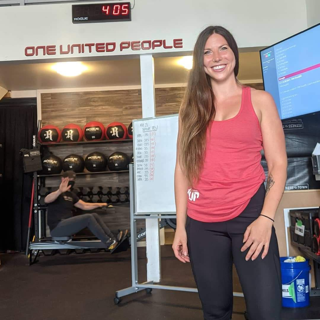 1UP CrossFit welcomes Coach Sarah MacLeod to their team, owner of Santosha Yoga.She will be coaching Fri evenings.Sign up for her classes early as they will be popular 🏋♀️🙏 #Crossfit #1upcrossfit #1up #newwest #newwestminster #downtownnewwest #santosha #fitness #newwest #yoga https://t.co/E7iHQHQeyR