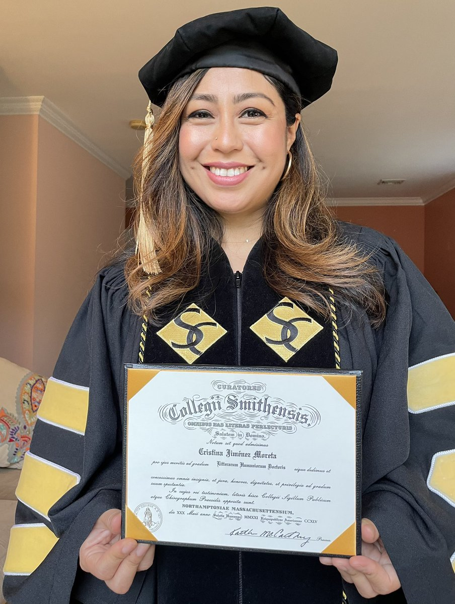 Honored to receive this honorary doctorate degree from @smithcollege. Thank you for this recognition!   This formerly undocumented girl is filled with humility, hope, & hunger for justice. I still remember when I was an undocumented student in high school. I afraid & ashamed. 1/ https://t.co/Y59dhQgqx8
