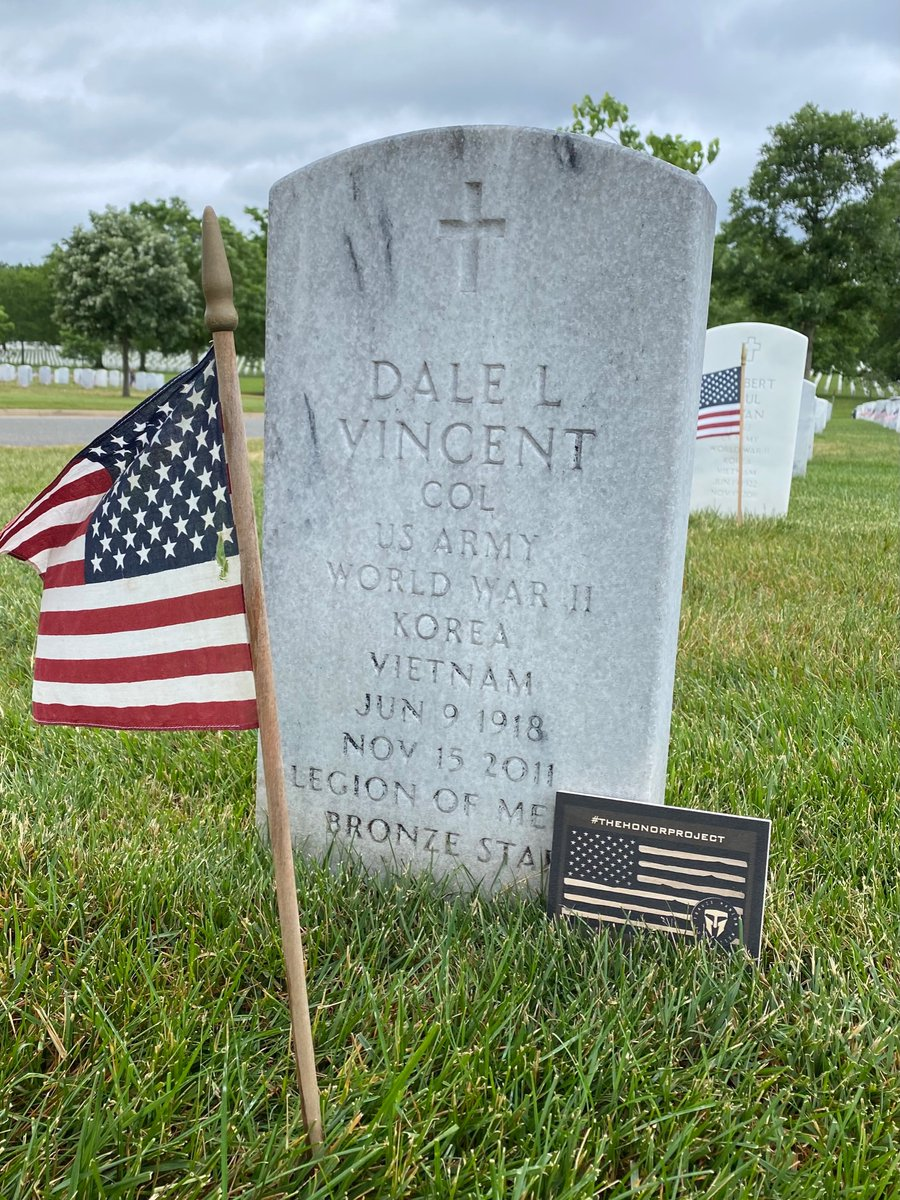 Honor those who served.  #TheHonorProject  @TMFoundation  To learn more about #DaleVincent click here:  https://t.co/XR8nfSaOa4 https://t.co/xpKay1lbdq