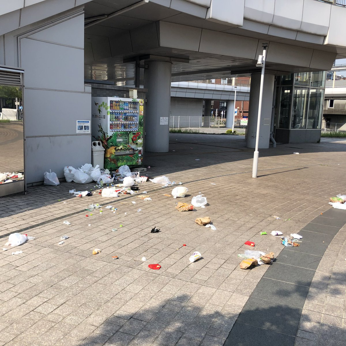最低限のマナーは守るべき?ライブ後にゴミを捨てていく人が多い!