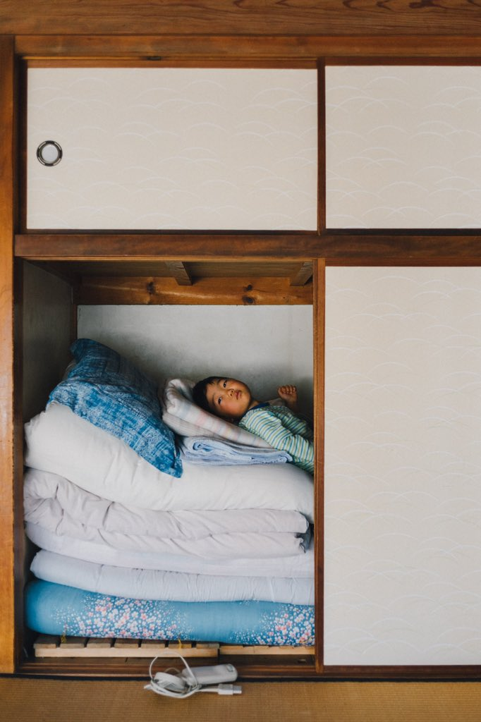 『子供だからできること』に共感!隙間や洗濯カゴにすっぽり収まる姿が可愛すぎる!