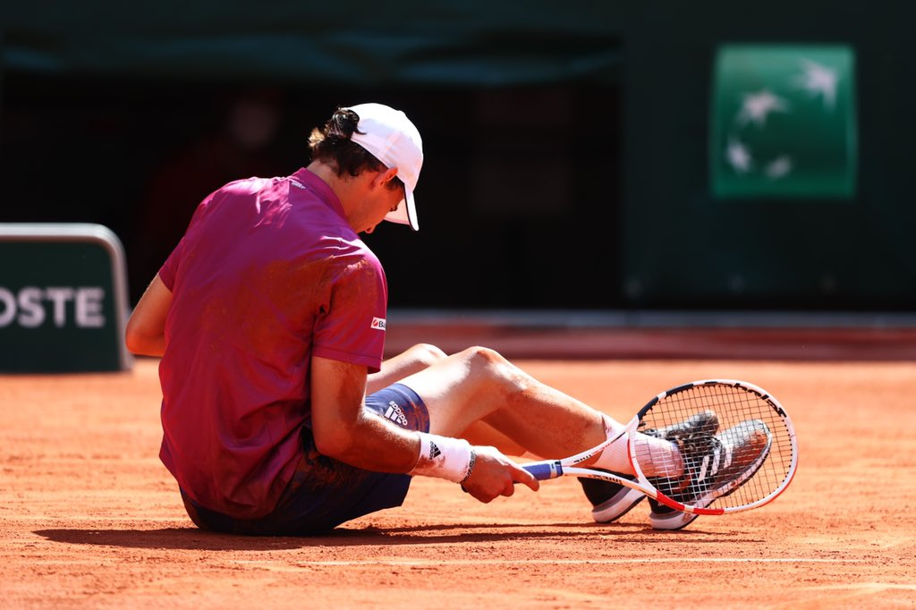 Hey everybody! It´s tough to digest yesterday's early loss at one of my favorite tournaments! To be honest – it was just not good enough! Some percents are missing in every part of my game. Now it is essential to learn from this defeat and to get back to work straight away. https://t.co/iO8zpPuKSl