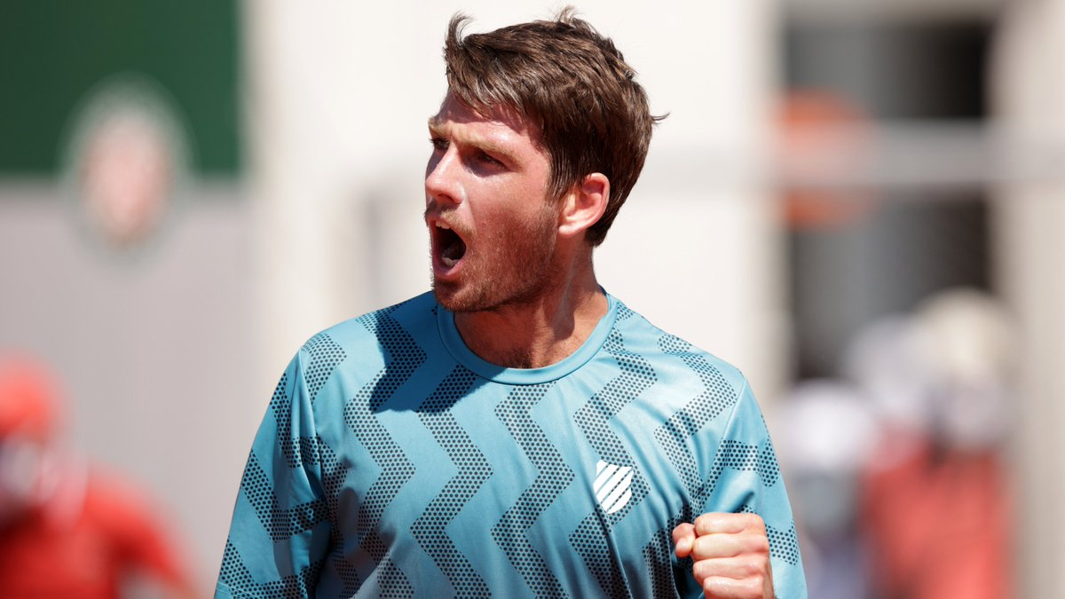 ➡️ Second Round @cam_norrie powered into the Second Round with a 7-5, 7-6, 6-2 win over Bjorn Fratangelo 💪 #RolandGarros