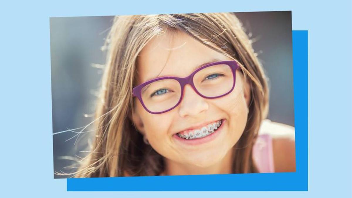 Wenn die ersten #Milchzähne ausfallen und die neuen #Zähne schief nachwachsen, steht der Gang zum Kieferorthopäden an. 🦷 Welche Kosten 💸 dabei auf die Eltern zukommen können und welchen Anteil die gesetzliche Krankenkasse übernimmt, zeigen wir hier👉 https://t.co/0KQ8l8KiXw https://t.co/qPftKPnIyR