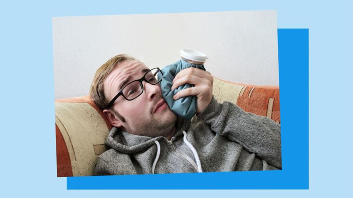 Wer kennt's? #Zahnschmerzen kommen oft am Wochenende und der #Zahnarzt ist nicht in greifbarer Nähe. 🦷😣 Verschiedene Hausmittel können die Schmerzen in dieser Zeit etwas lindern. Wie geben die 10 besten Tipps gegen Zahnschmerzen. 👉 https://t.co/82W3jq76Ex https://t.co/j9mA34ni6a