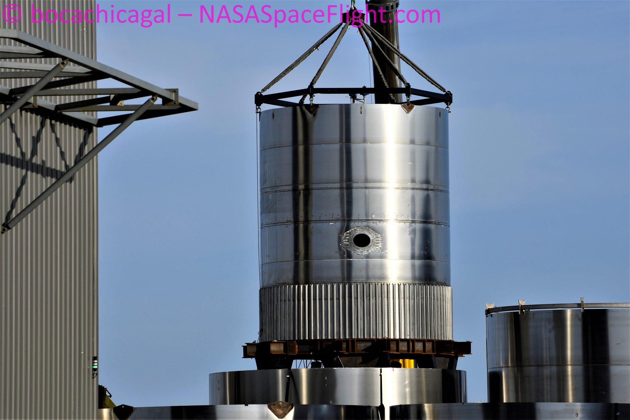 BN2.1 (Réservoir de test Super Heavy) E2yqWdyWYAMVvB0?format=jpg&name=large