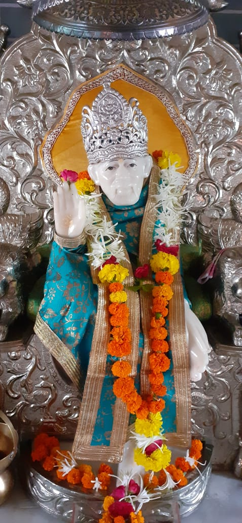 @SSSTShirdi Baba  is  ever  alive,  for  He  transcends  both  life  and  death.    He  who loves  Him  wholeheartedly gets  response  from  Him at any time  and at any place.   He is  always  by  our  side  and  will  take  any  form  and  appear  before  the  devout  bhakta and  help  him. https://t.co/MzpaPle6qR