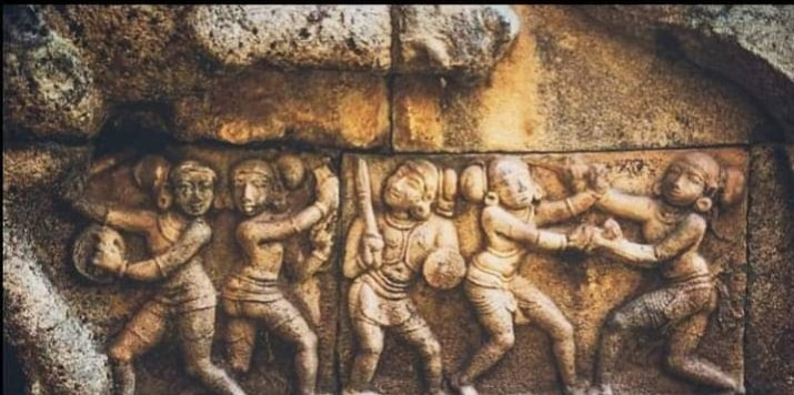 Bharat always Treated women and men equally  Here is the proof a sculpture depicting women warriors  12 century Airvatesvara Temple,Tamil Nadu  Don't believe in the lies spread by leftists @LostTemple7 https://t.co/6h6WXKdqZH