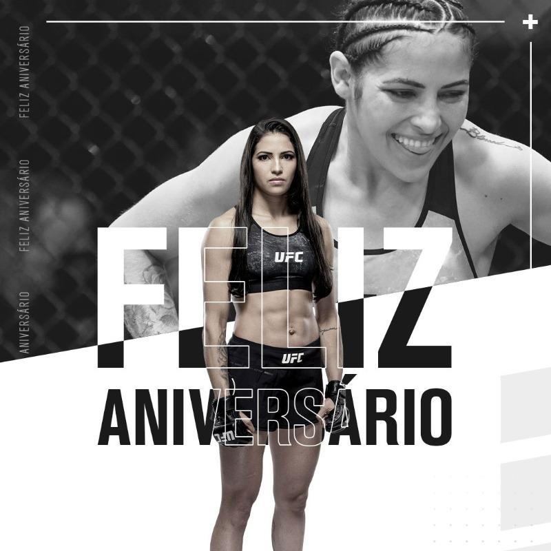 Hoje é dia de desejar um feliz aniversário para a @Polyana_VianaDF , que completa 29 anos! Parabéns! 🎉🎈 https://t.co/BjlLPmhAqh