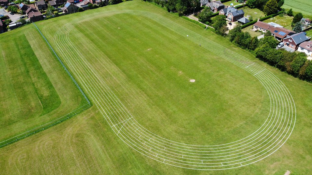 On site at @horndeantc with Jolene our TinyLineMarker from @rigbytaylor. Marking out a 400m running track next to a @SCSlatter sports field construction project. https://t.co/OsS0J4cjar