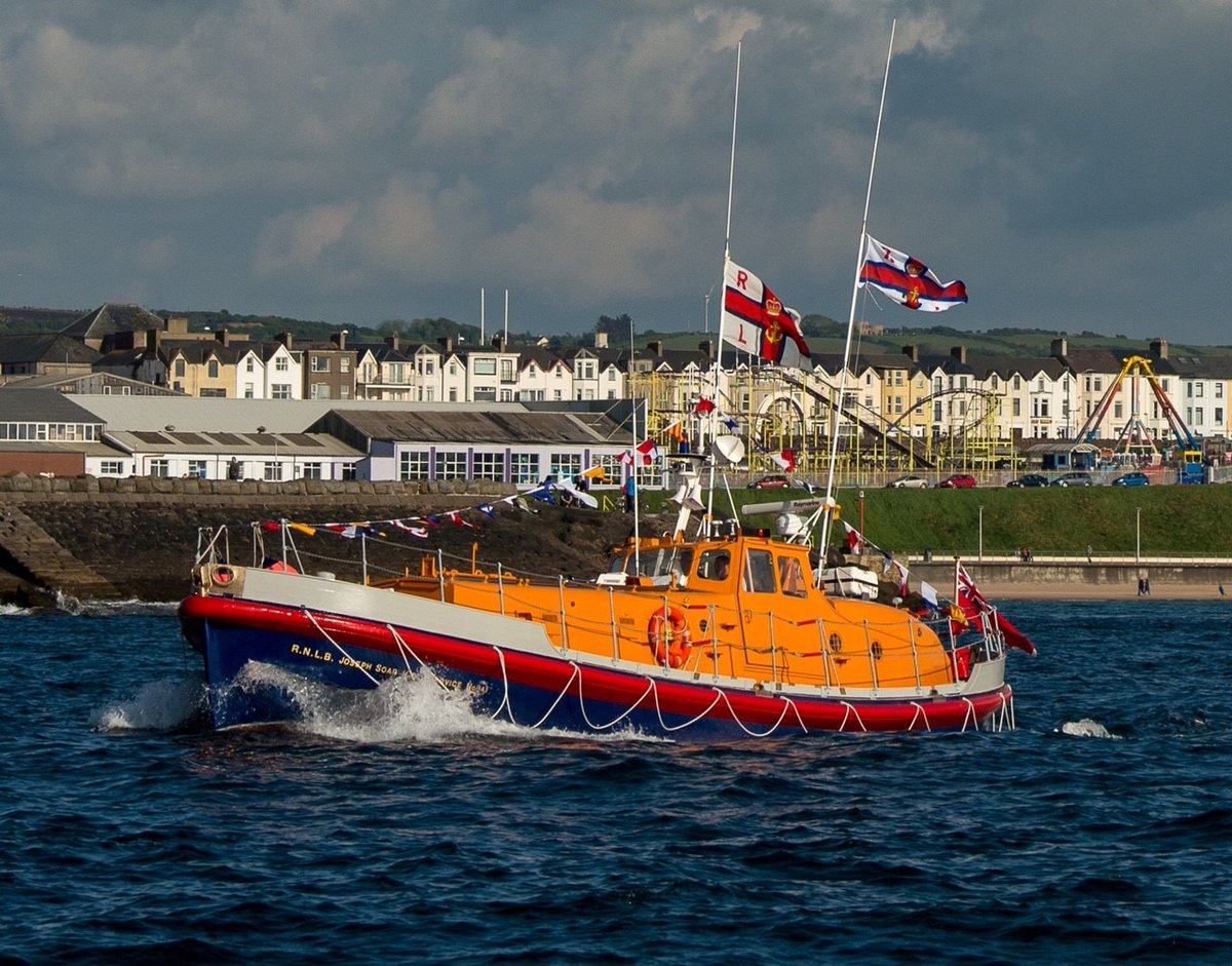 See some of our latest applications and projects from historic #lifeboats to #superyachts to #barges https://t.co/DZMfEKegmO https://t.co/WzVF2aikXO