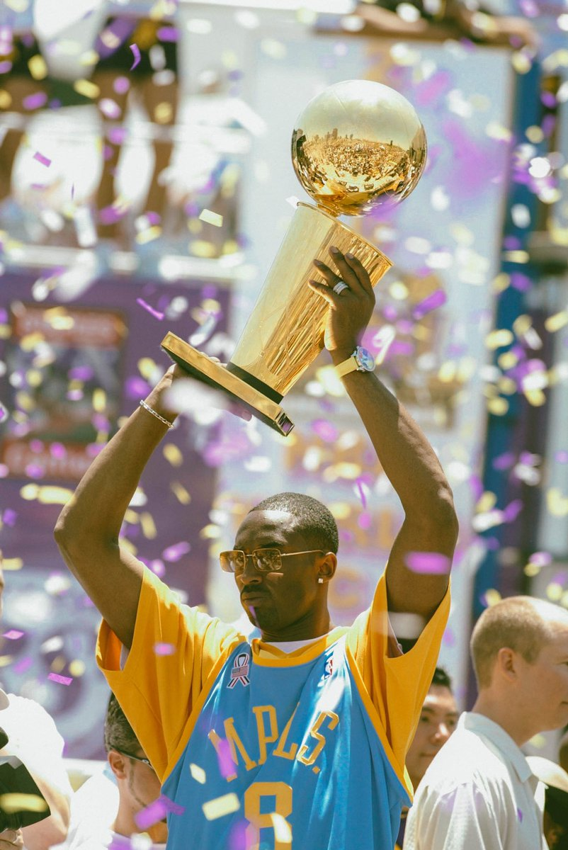 RT @JoePompliano: 19 Years Ago Today: Kobe Bryant and the Lakers celebrate their 3-peat. https://t.co/dDfEkVFCIi