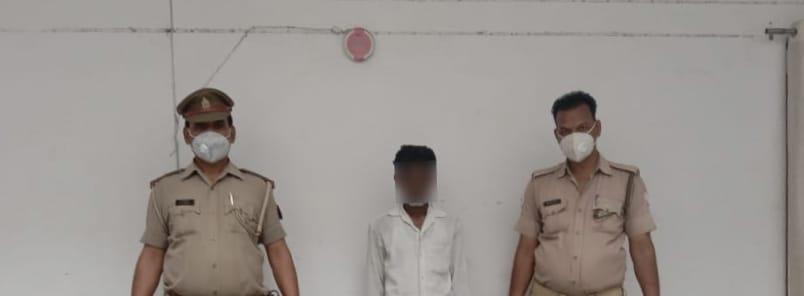 आज दिनांक 14.06.2021 को चौकी डाला पुलिस द्वारा एक नफर अभियुक्त सूरज भारती पुत्र मंगरु भारती निवासी झूलन टाली, डाला, थाना चोपन के कब्जे से चोरी किये गये सरकारी केबल व तार बरामद कर अभियुक्त उपरोक्त को गिरफ्तार किया गया । #UPPolice  @digmirzapur  @adgzonevaranasi https://t.co/K59i5G5zq1