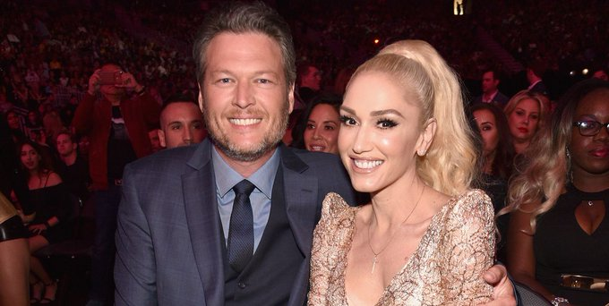 Blake Shelton, Gwen Stefani spark secret wedding rumors after shes spotted with new ring Photo