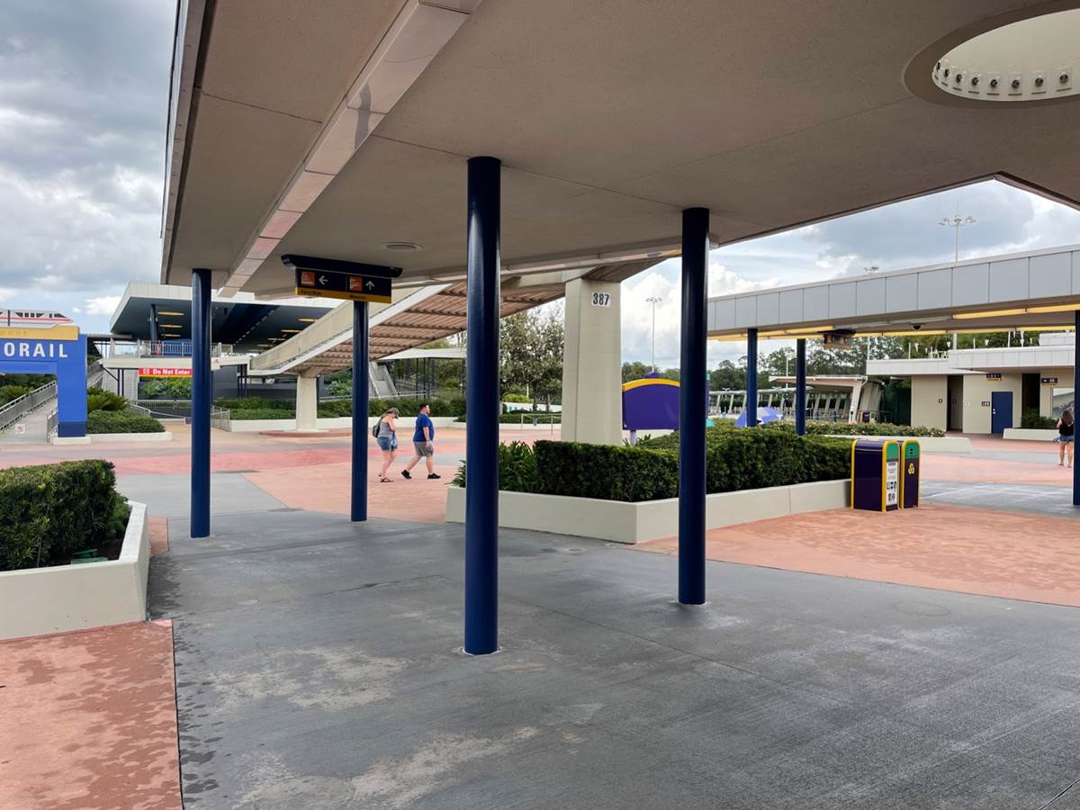 The character fencing at the Transportation and Ticket Center at #WaltDisneyWorld has been removed: https://t.co/2hP3Zxrz07 https://t.co/cXjGHqBHcv