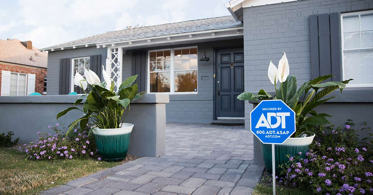 See which of ADT's cameras would work best in your #smarthome. #sleek  https://t.co/T9IKcq9v2P https://t.co/x20Vomvsz7