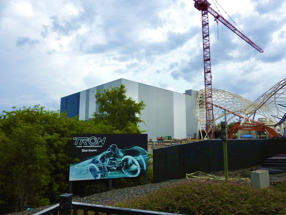 Looks like work on TRON Lightcycle/RUN has moved forward with the entry and exit points being reopened. #WDW #flynnlives https://t.co/pYrHygTgWe