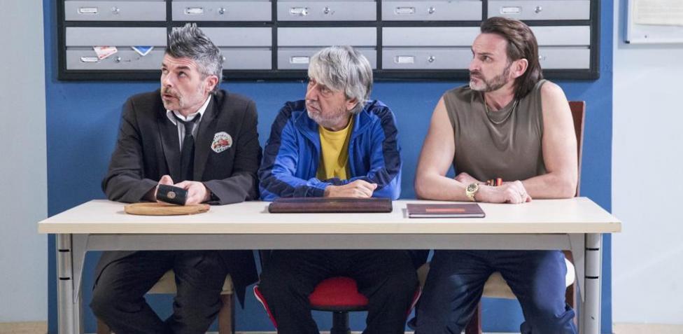 RT @MundoDespectivo: Manu carreño, Camacho y Kiko comentando el partido de España. https://t.co/GjX7STcNU0