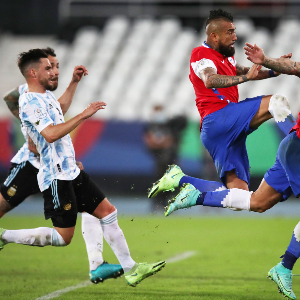 test Twitter Media - #ARGCHI ends in a draw: 1-1. ⚖️  @Nico_Taglia played 90 minutes, @LisandrMartinez didn't come off the bench.   #CopaAmérica https://t.co/p8k5qe4OvX