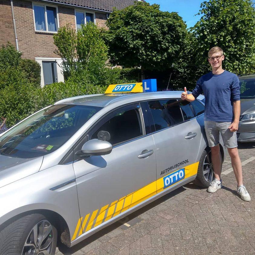 test Twitter Media - Martijn Blinde, gefeliciteerd met het in 1x behalen van je rijbewijs 👍 https://t.co/eUGhlWzvLx