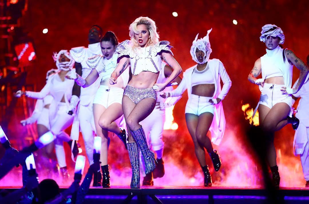 Vimos Pepsi en #tendencia, e inevitablemente recordamos a la Diosa @ladygaga en el #PepsiHalfTime 😍 https://t.co/GuovjF3gdr